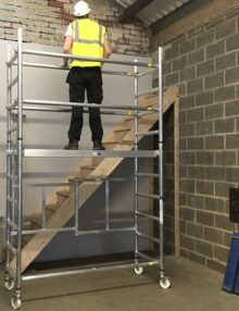 Folding scaffold tower 1.7m platform height