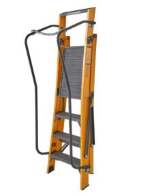 4 step ladder with chain